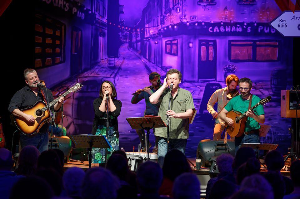 """L'association """"Ceol Agus Craic Cavan"""" organise sa 8ème édition du festival Saint Patrick à Cavan."""